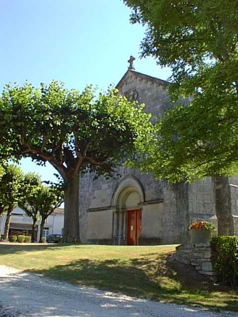 Eglise entree sud ensoleillee web